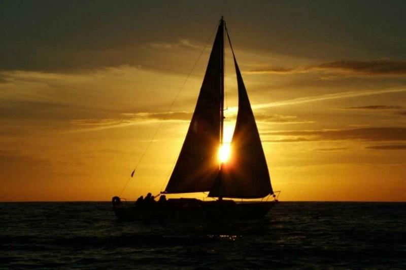 Встреча заката под парусами