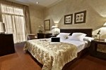 Одна из комнат в отеле