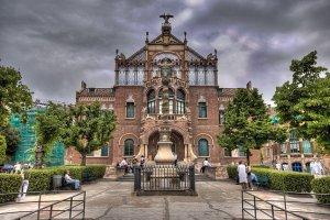 Госпиталь Святого Креста и Святого Павла в Барселоне