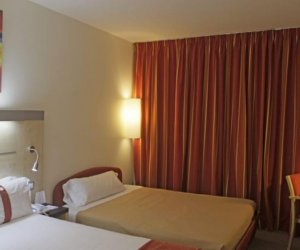 Holiday Inn Express Barcelona 22@ 3*