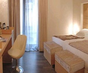Hotel Barcelona Catedral 4*