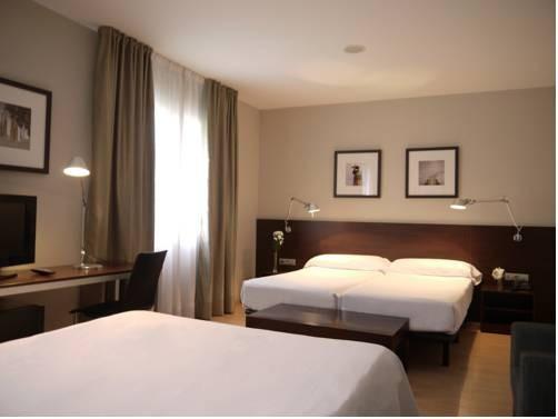 Hotel Medium Prisma 2*