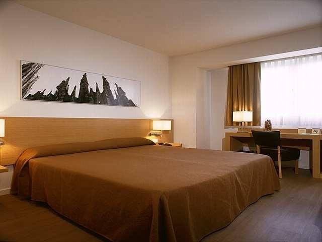Hotel Sagrada Familia 3*