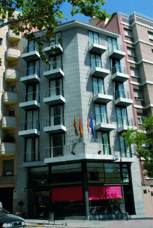 Hotel Medicis 2*