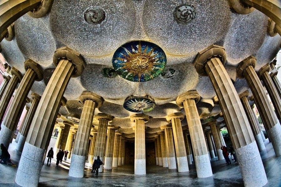 Зал восьмидесяти колонн