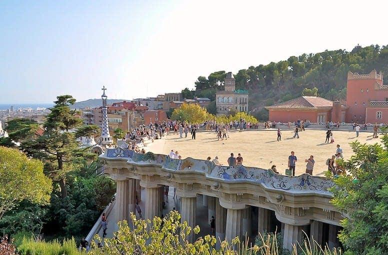 Смотровая площадка и самая длинная скамейка в мире