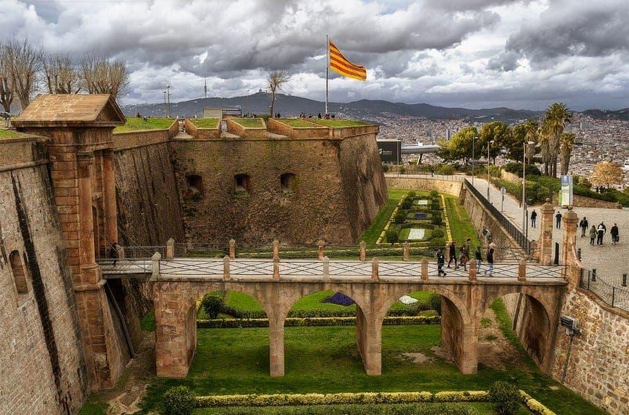 Дворик крепости