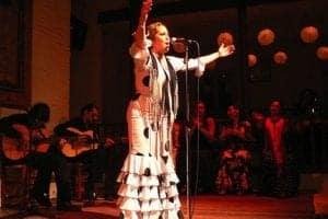 На сцене