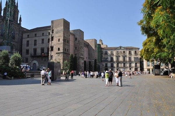 Placa Nova - Новая площадь в Барселоне