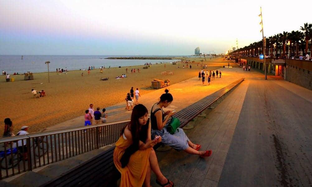 Вечером у пляжа