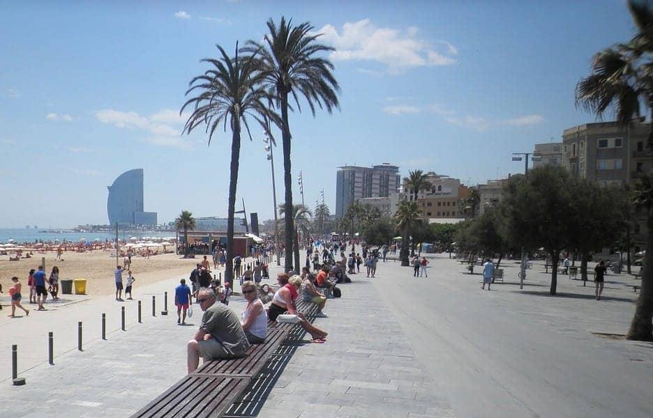 Променад вдоль пляжа