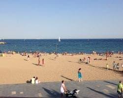 Пешеходные прогулки вдоль моря