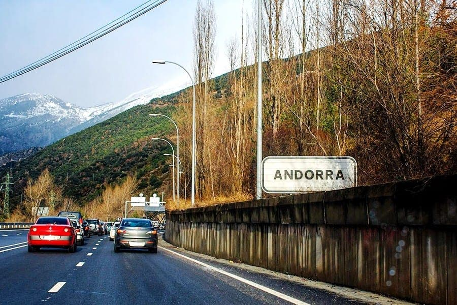 На машине в Андору