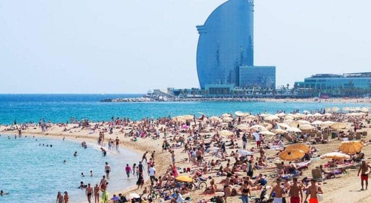 Центральный пляж в Барселоне