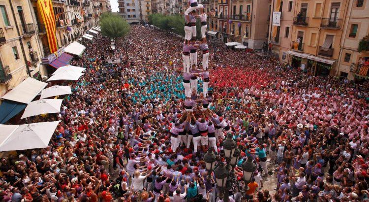 Человеческие башни в Барселоне